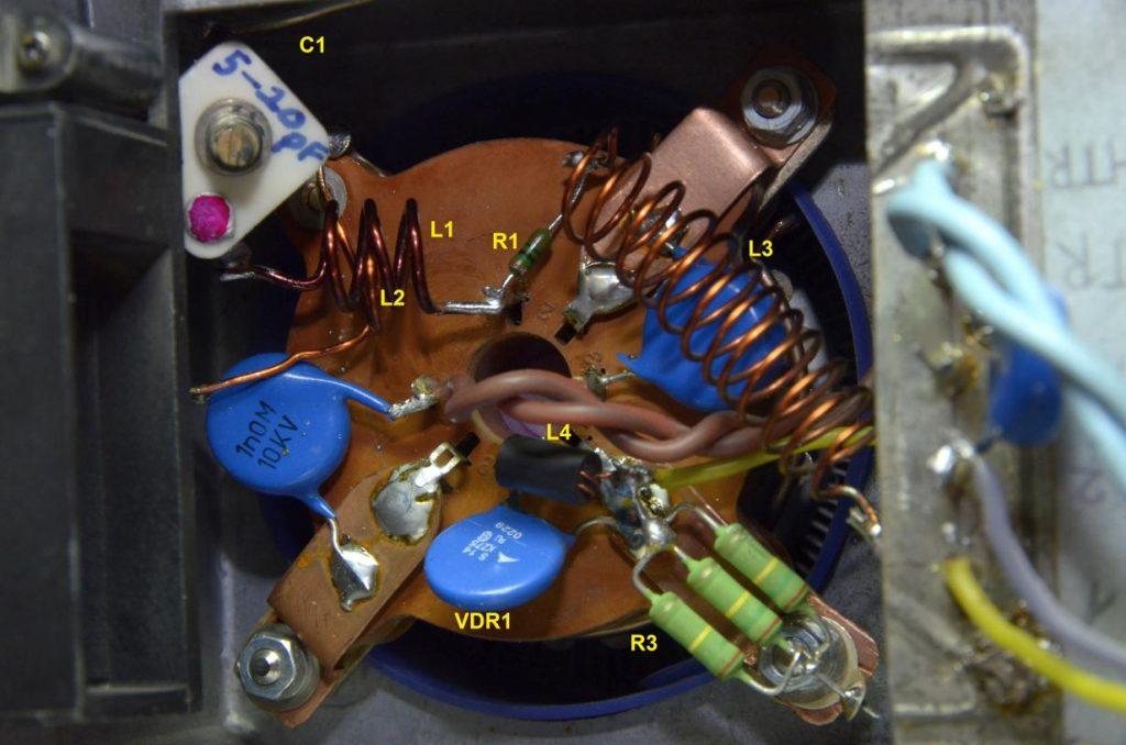Sockel der 144MHz PA mit GU74b